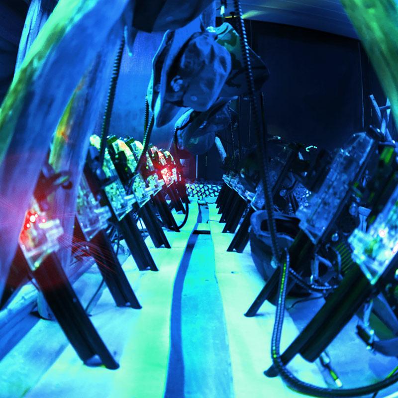Laserpelikeskus lasersota säännöt aseet